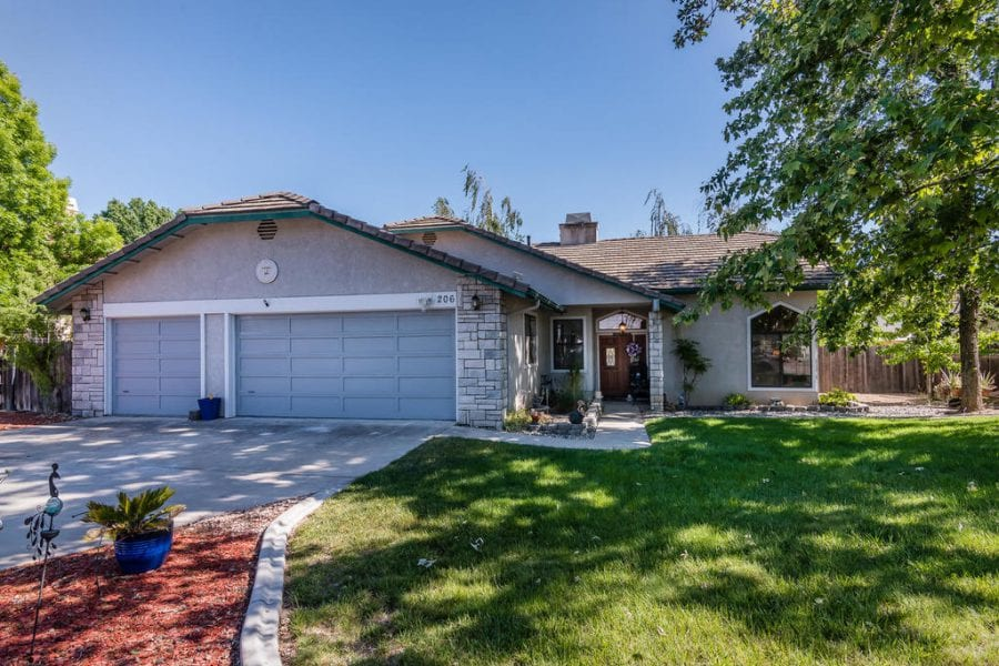 206 Warbler Ct, Paso Robles 93446